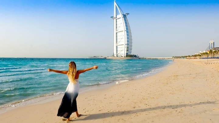 Jumeirah International Luxury Hotel with Breakfast
