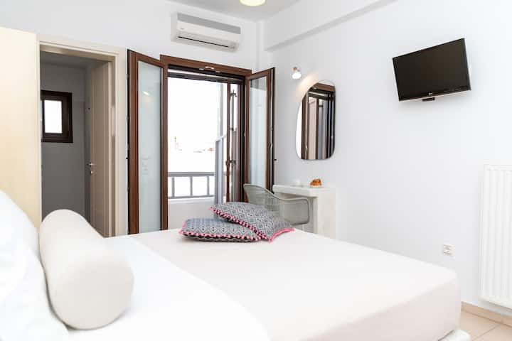 Depis place luxury apartmets naxos for 2