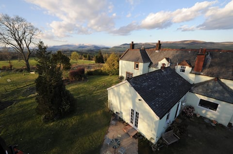 Lovely rural cottage with views over Moffat Hills.