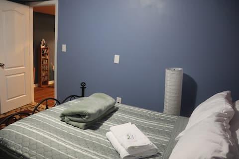 Private Cozy Basement Suite