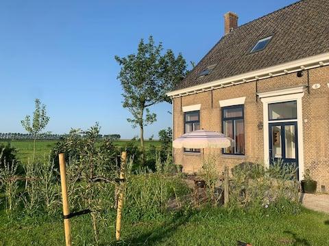 Ferienhaus auf Bio-Bauernhof, Küste, Polder und Ruhe