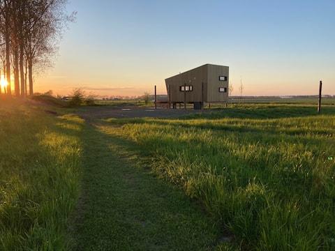 DeDijck Hut - tiny house midden in het groen