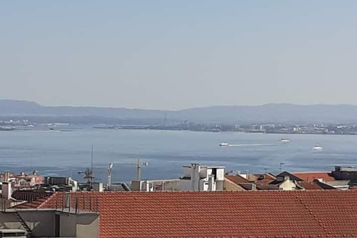 Lisbon Charming Penthouse
