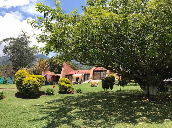 Casa, Refugios de Calima - Lago Calima