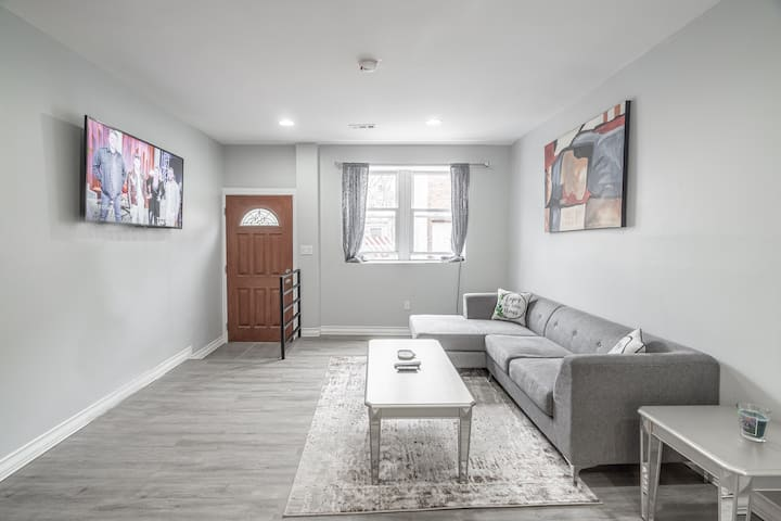 Modern & Cozy Master In The Heart Of South Philly
