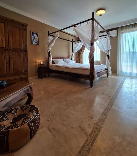 Kaleidoscope - Morocco Room