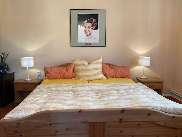 Schlafzimmer 1-Doppelbett