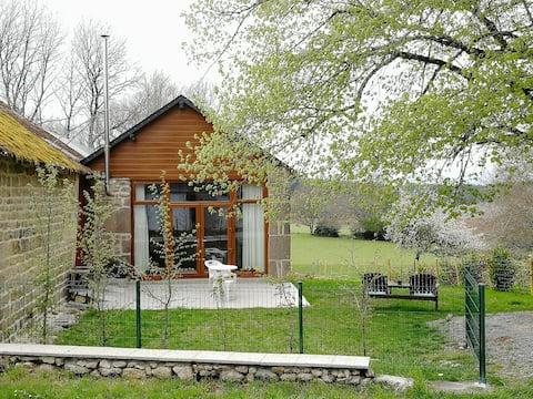 Micro-maison indépendante au calme PNR Millevaches