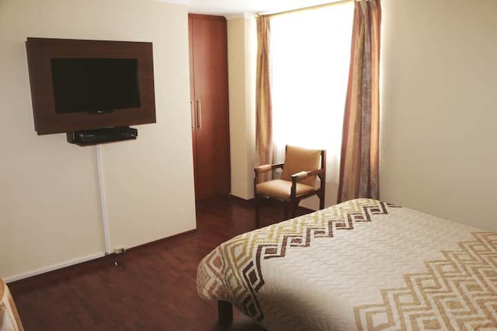 Hab #3 - 1 huésped -Hotel 6 de Diciembre y Roca
