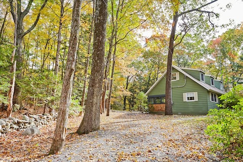 Peaceful Wooded Retreat