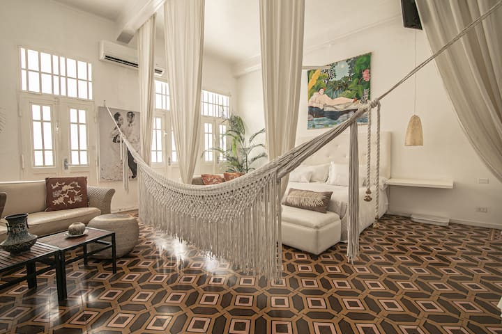 Gorgeous Apt in Cartagena's Historic Walled City