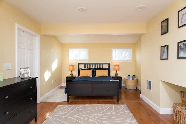 Ensuite Private Room in Boston