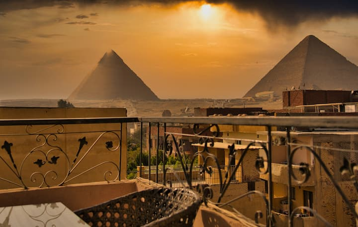 Great Pyramids View from your Sky Lounge (3)