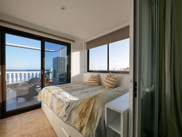double bed (140x200) in sleeping room 3