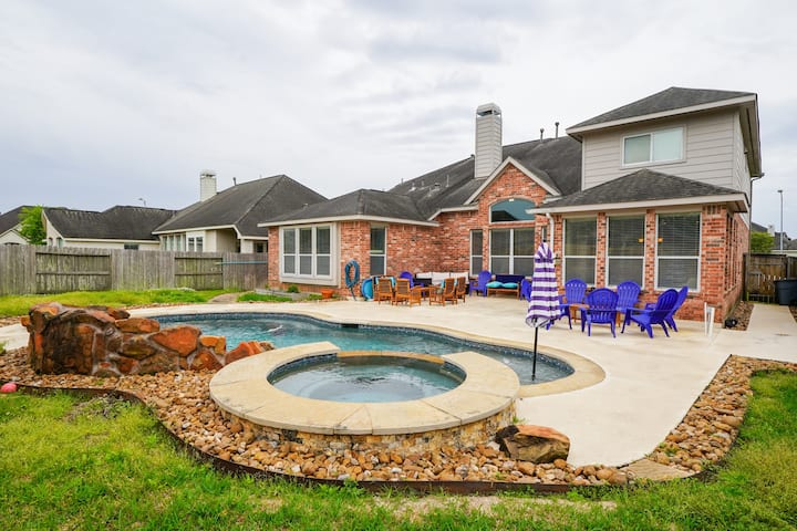 BG Beautiful 7br home POOL & HOT TUB for FAMILIES