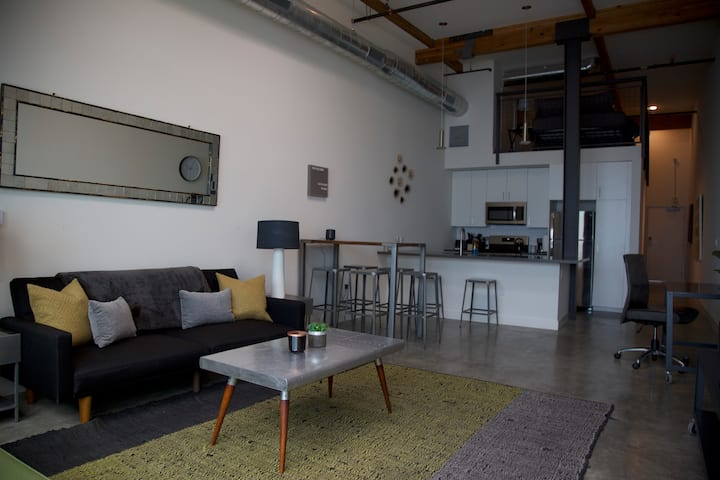 URBAN ARTLOFT | DTOC |  Industrial+Modern+Spacious