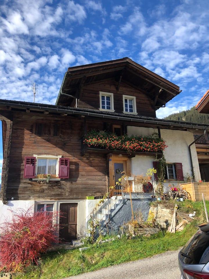 Gemütliches Ambiente in den Bündner Bergen