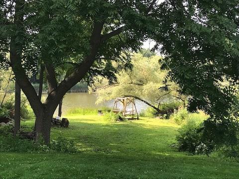 リバーバンク、メートランド川にある2ベッドルーム