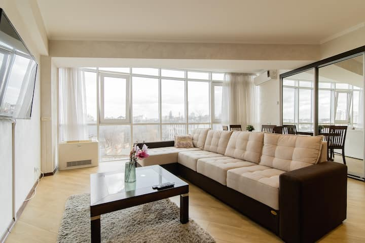 Lovely apartment in Center Puskin 47/5