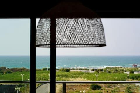 Strandapartment mit 4 Schlafzimmern und atemberaubender Aussicht