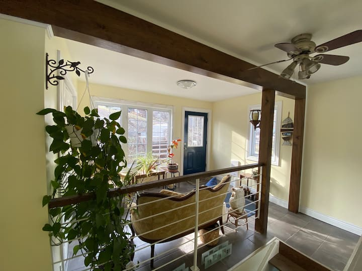 Beautiful, charming waterfront home, Deline Lake