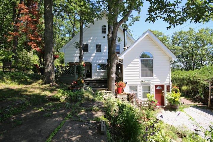 The Oaks Cottages Inc.