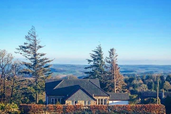 Private House - Stunning views of Haytor, Dartmoor