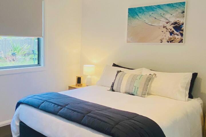 Bedroom 2  -Queen Bed