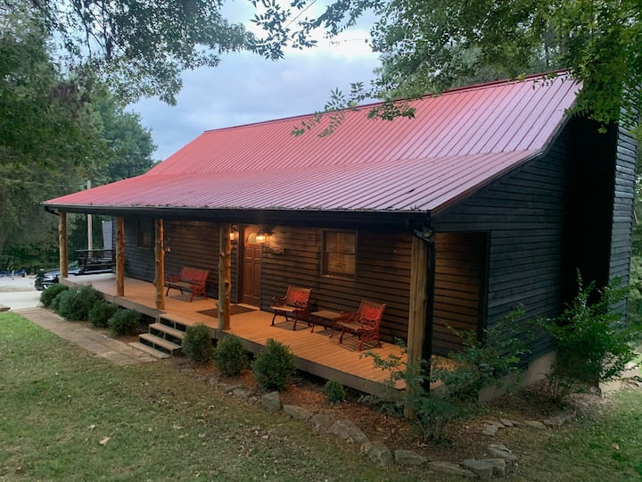 New Listing!!! Tranquil Cabin on Barren River Lake