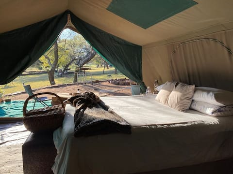Cullinan Farm Glamping tent with Lake view