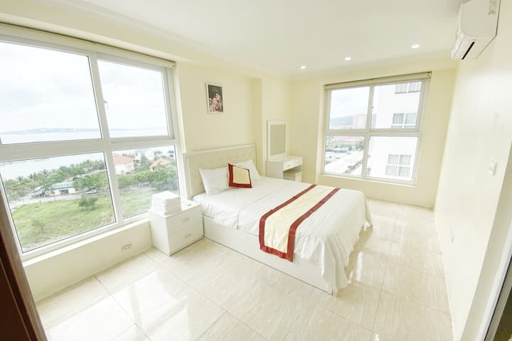 Luxury Apartment 3 Bedroom seaview Ha Long central