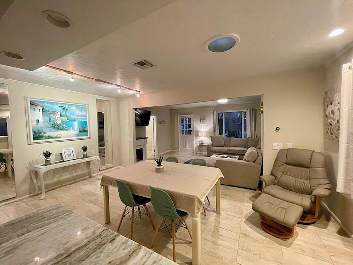 *Poolside Oasis w/ SPACE! 5min from Atlantic Ave