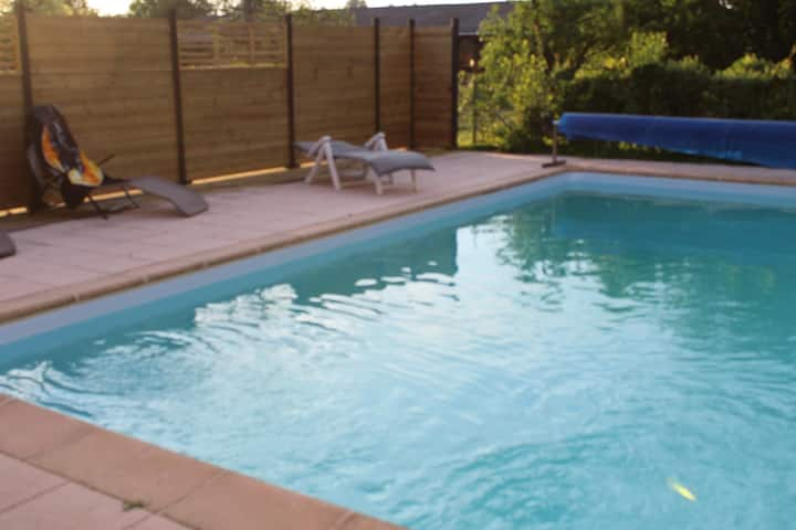 Gite en Alsace avec piscine et jardin arboré.