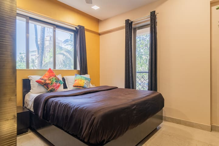 Bedroom 2- Sunkissed, airy bedroom with queen size bed and pleasant 10-inch spring mattress. Perfect for stays long or short