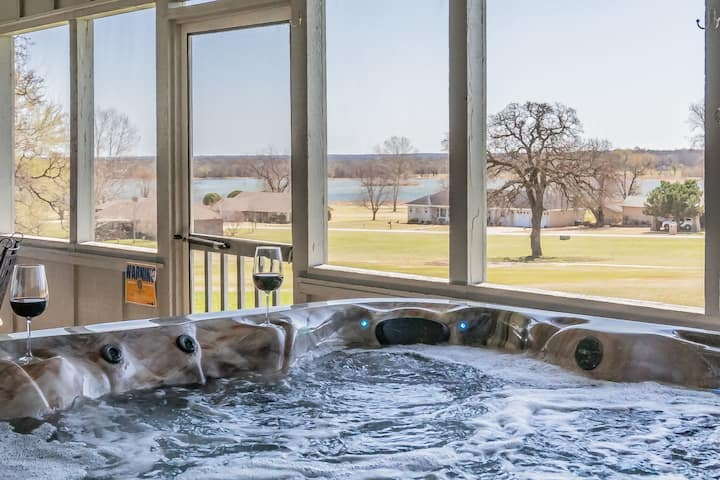 Golf Course, Water View, Hot Tub, WIFI, Pool Table