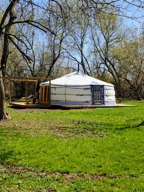 The Healing Yurt - Glamping 45 mins from Toronto