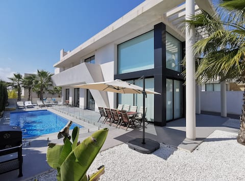 Ideal villa for families with private pool