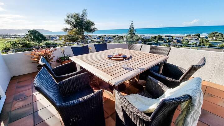 "Moana Tau - ""Ocean Retreat"" Spa Pool with View!"