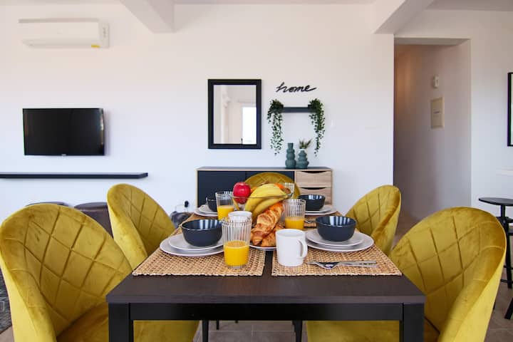 Phaedrus Living: Cityview Luxury Flat Walnut Grove ...