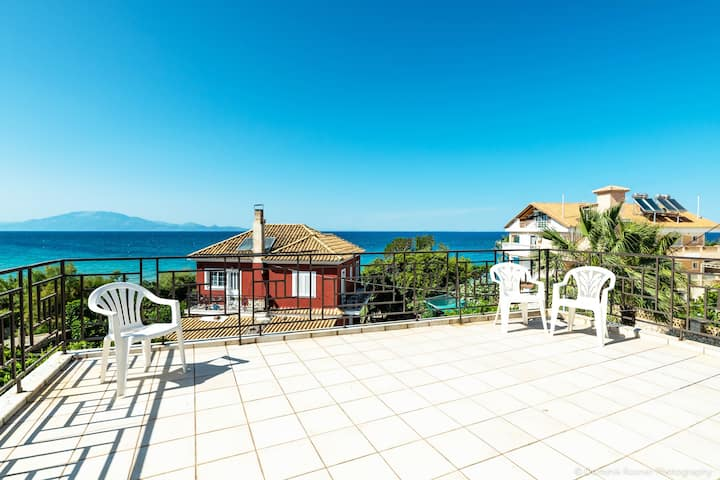 Beachfront Villa Gousetis