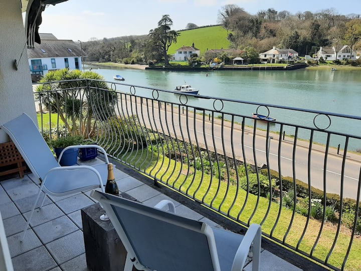Panoramic views of Kingsbridge to Salcombe estuary
