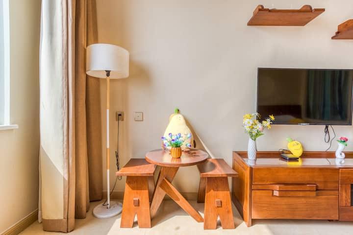 白鲸公馆馆景亲子家庭房,离海最近的公寓,下楼就是沙滩,免费停车『美好时光民宿』
