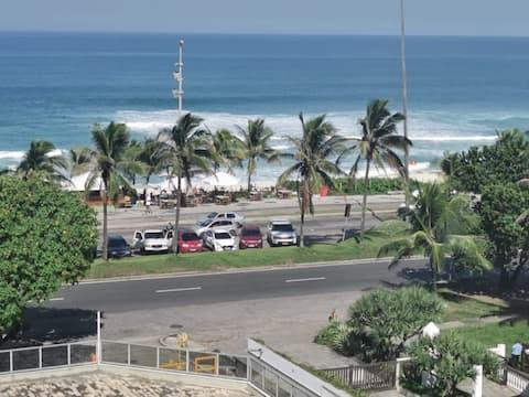 Apartamento frente mar, Posto 5 - Barra da Tijuca
