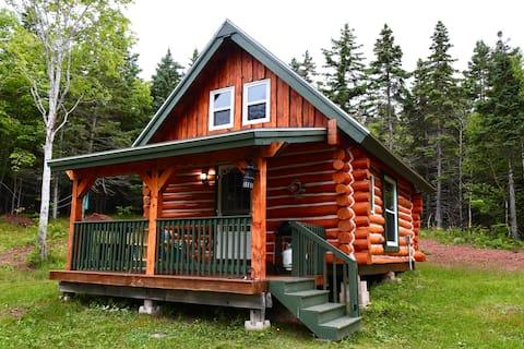 Cozy Cape (Papa) Log Cabin Bras d'Or Lakes