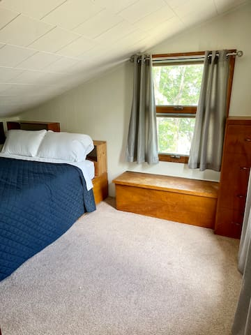 Bedroom 2 looks out onto the river! (Queen bed)