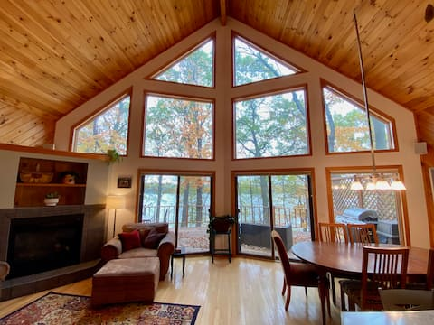 Lakeshore Getaway - an Hour from the Twin Cities!