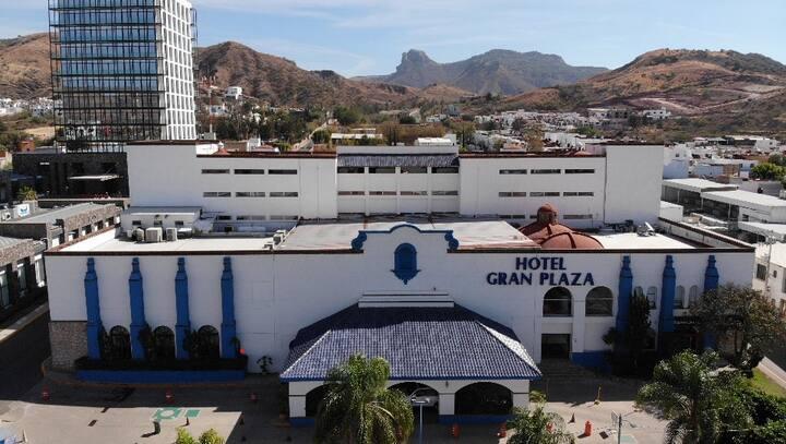 A3 HABITACION DE HOTEL PARA DOS PERSONAS
