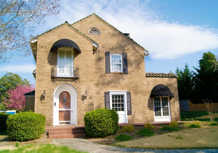 Historic Rivermont House w/ ALL MODERN AMENITIES