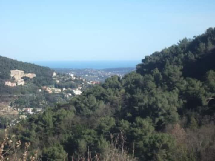 Location 4 personnes arrière pays Côte d'Azur
