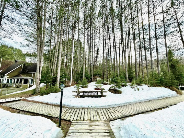Chalet Beauvoir | A tranquil retreat in the forest
